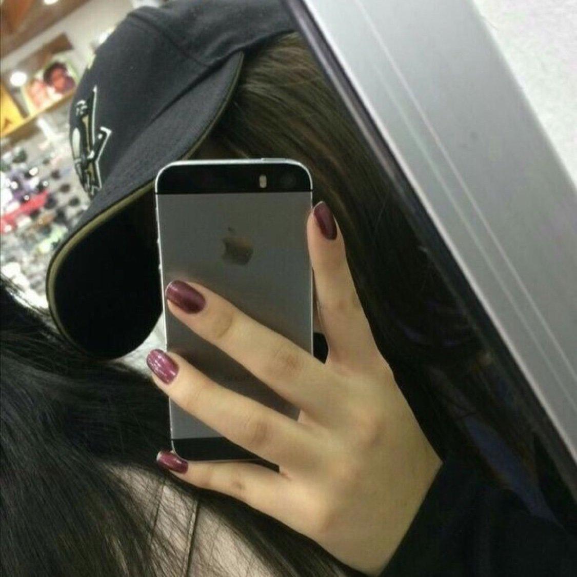 Фотки девушек у зеркала с телефонами жестко толпой